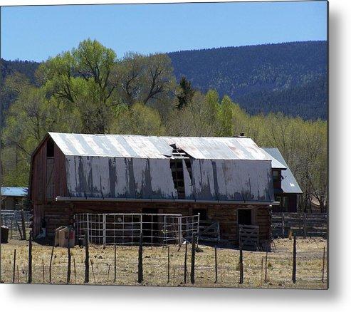 Old Barn Metal Print featuring the photograph Old Barn In Nutrioso by Pamela Walrath