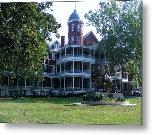 Buena Vista Metal Print featuring the photograph Southern Virgiinia College by Eddie Armstrong