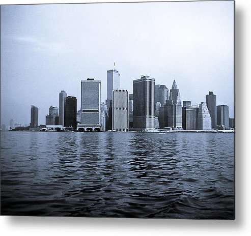 Ny Metal Print featuring the photograph A View That Is Not There Anymore by Arthur Sa