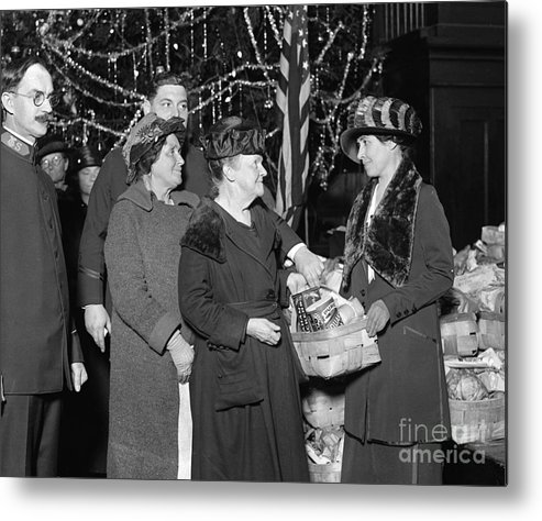 1923 Metal Print featuring the photograph Salvation Army, 1923 by Granger