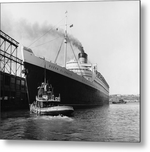 Historic Metal Print featuring the photograph Rms Queen Elizabeth by Dick Hanley and Photo Researchers