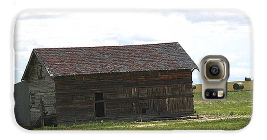 Landscape Galaxy S6 Case featuring the photograph Grassland Farm by Margaret Fortunato