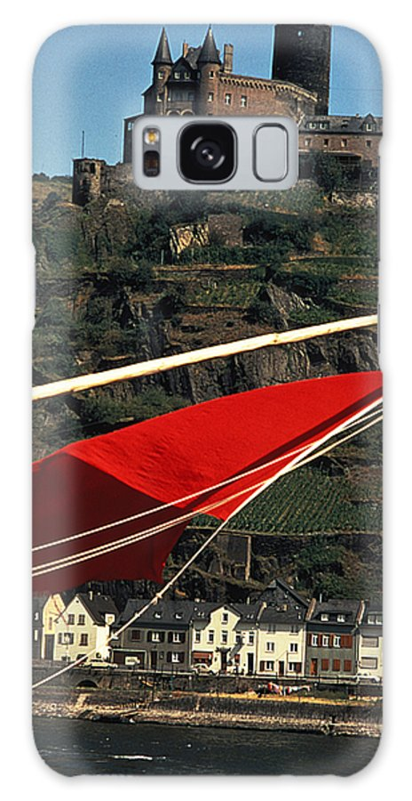 Red Flag Galaxy S8 Case featuring the photograph Katz Castle On Rhine by Carl Purcell