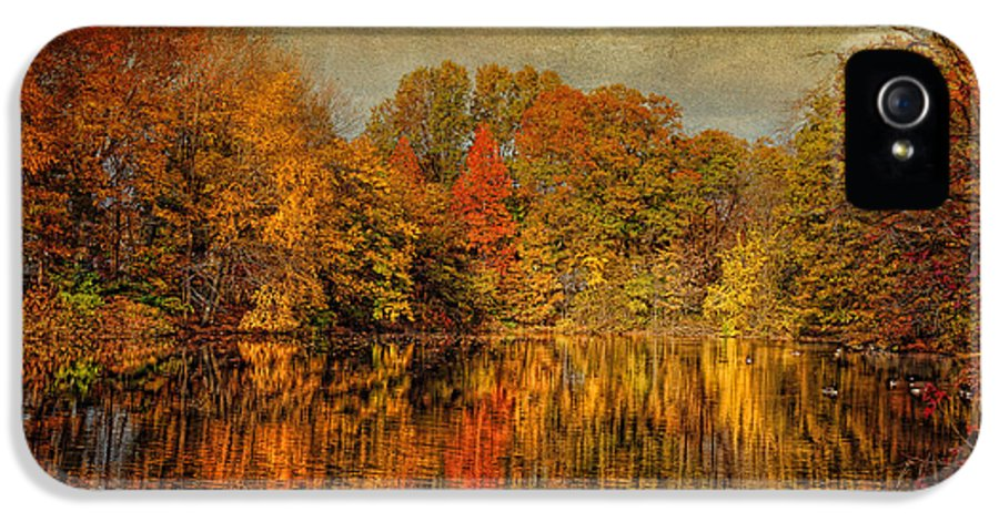Autumn IPhone 5 Case featuring the photograph Autumn - Landscape - Tamaques Park - Autumn In Westfield Nj by Mike Savad