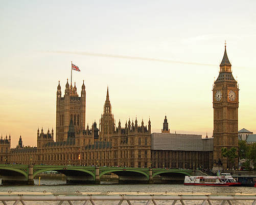 Horizontal Poster featuring the photograph Houses Of Parliament From The South Bank by Sharon Vos-Arnold