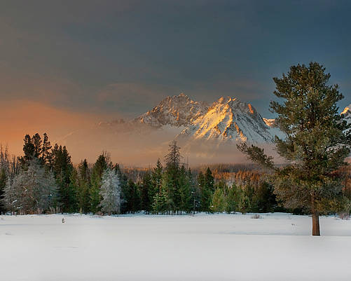 Horizontal Poster featuring the photograph Sunrise Over Sawtooth Mountains Idaho by Knowles Photography
