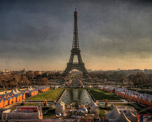 Horizontal Poster featuring the photograph Tour Eiffel by Philippe Saire - Photography