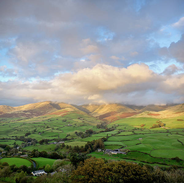 Horizontal Art Print featuring the photograph Lune Valley And Howgill Fells by David Barrett