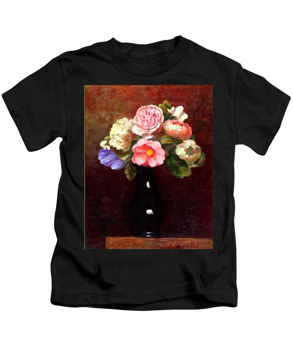Still Life Kids T-Shirt featuring the painting Red Roses In A Black Vase by Edward Skallberg