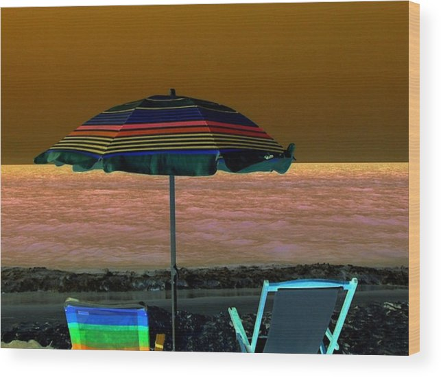 Beach Wood Print featuring the digital art Sunset Glow by Kenna Westerman
