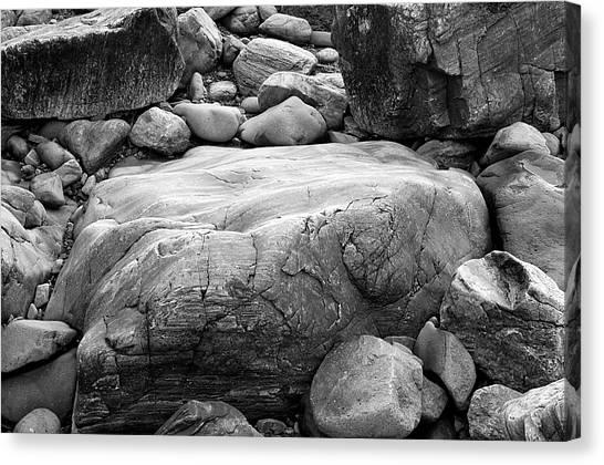 Coastal Granite In Black And White Canvas Print by David Thompson