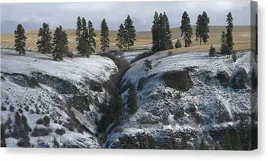 Elberton Cliffs In Winter Canvas Print by Jerry McCollum