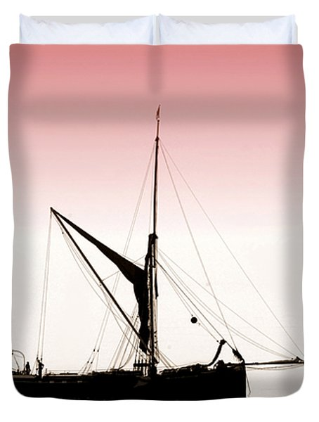 Coble Sailing  Against Pint Sky Duvet Cover