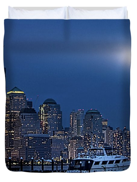 Ground Zero Tribute Lights And The Freedom Tower Duvet Cover by Chris Lord