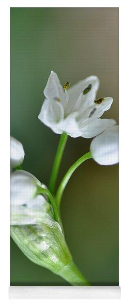 White Blossom 3 Yoga Mat
