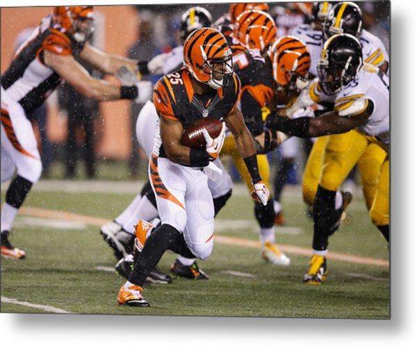 Wild Card Round - Pittsburgh Steelers V Cincinnati Bengals Metal Print by Joe Robbins