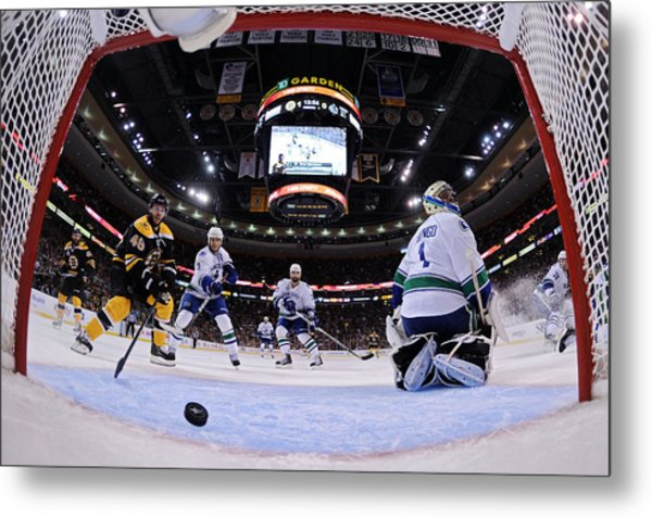 Vancouver Canucks V Boston Bruins - Game Six Metal Print by Elsa