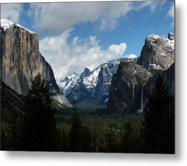 Yosemite Valley View In Winter Metal Print