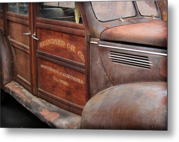 39 Soc Woody Metal Print