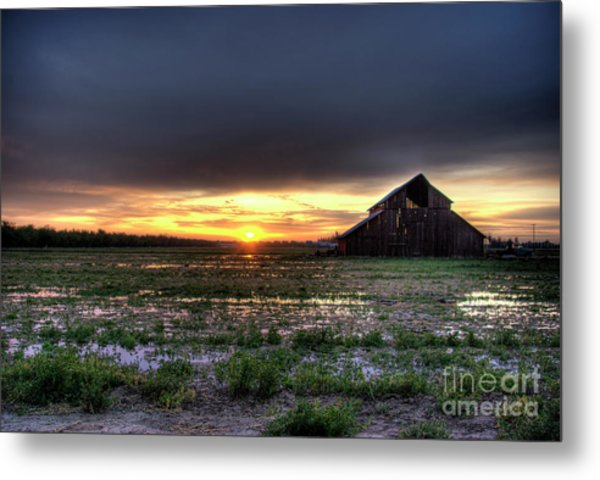 Barn Sunrise Metal Print