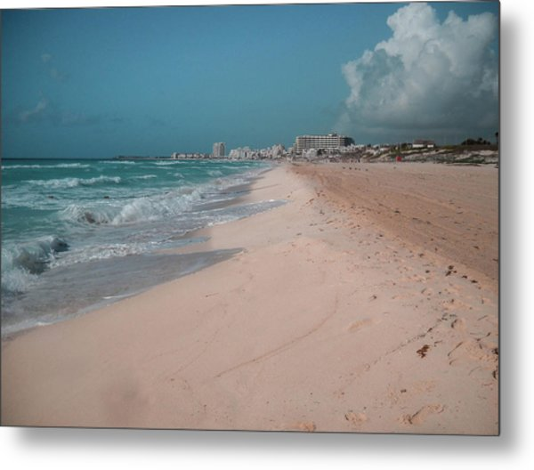 Beautiful Beach In Cancun, Mexico Metal Print