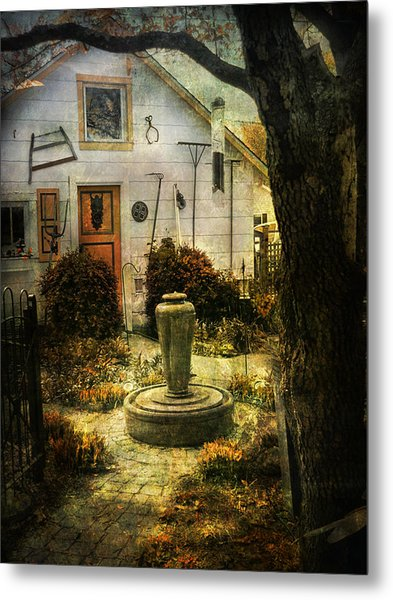 Courtyard And Fountain Metal Print