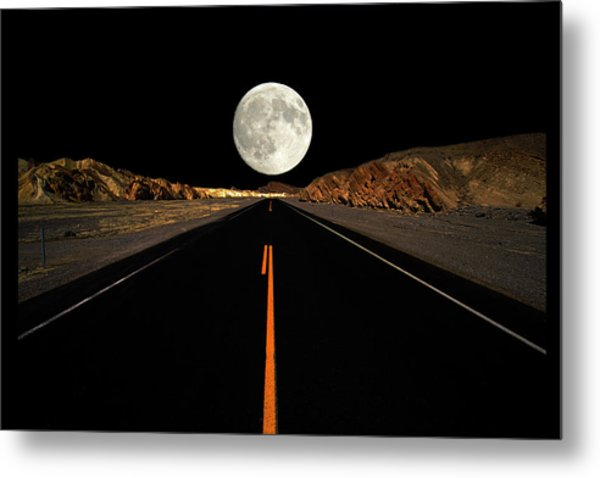Death Valley Moon Rise Metal Print