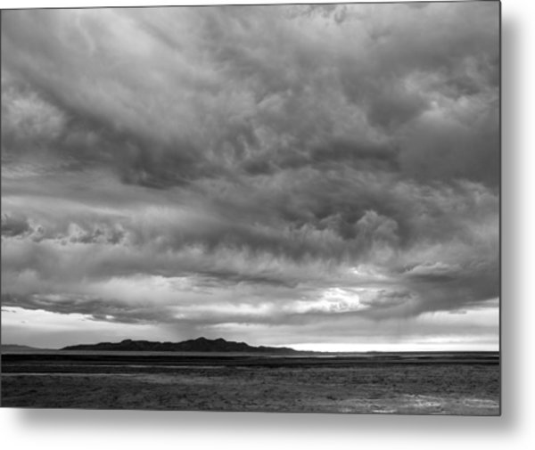 Great Salt Lake Clouds At Sunset - Black And White Metal Print