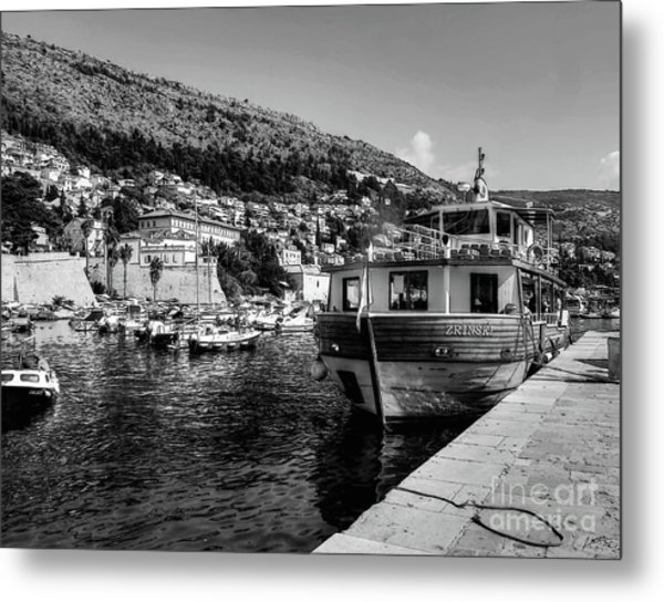 Heart Of The Harbour Metal Print
