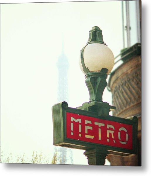 Metro Sing Paris Metal Print