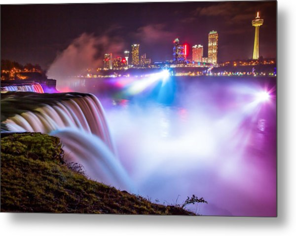 Niagara Night Metal Print