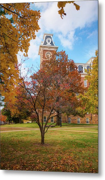 Old Main On The University Of Arkansas Campus - Autumn In Fayetteville Metal Print
