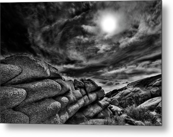 Rock Ledge With Swirling Sky Metal Print by Gary Zuercher