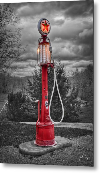 Texaco Gas Pump Metal Print by Williams-Cairns Photography LLC
