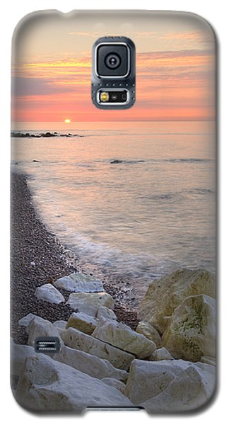Sunrise At The White Cliffs Of Dover Galaxy S5 Case by Ian Middleton