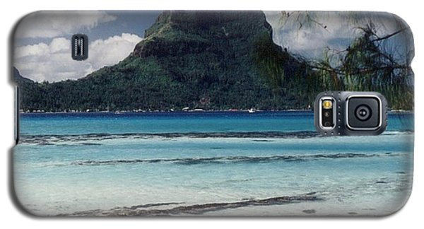 Galaxy S5 Case featuring the photograph Bora Bora by Mary-Lee Sanders