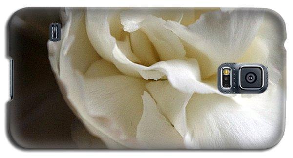 Galaxy S5 Case featuring the photograph Flower Beauty by Deniece Platt