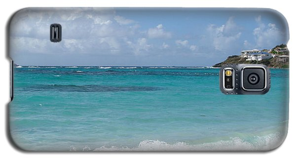 Galaxy S5 Case featuring the photograph Gentle Wave On Dawn Beach by Margaret Bobb
