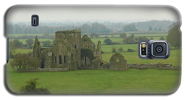 Galaxy S5 Case featuring the photograph Hore Abbey by Marie Leslie
