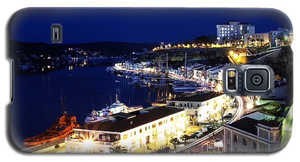 Galaxy S5 Case featuring the photograph Mahon Harbour At Night by Pedro Cardona
