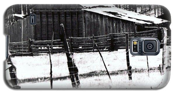 Galaxy S5 Case featuring the photograph Old Barn Alpine Az  by Juls Adams