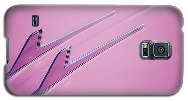 Galaxy S5 Case featuring the photograph Pink Cadillac by Stefan Nielsen