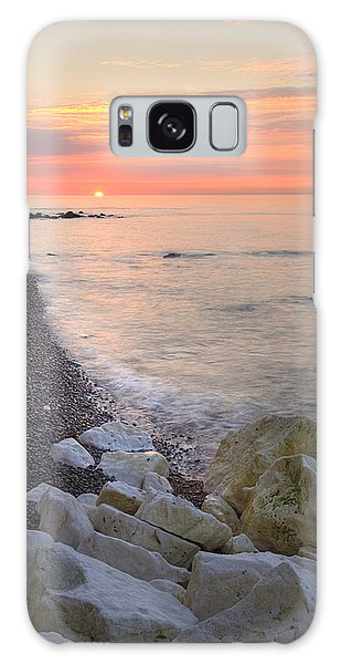 Sunrise At The White Cliffs Of Dover Galaxy Case by Ian Middleton