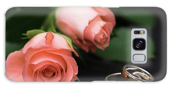 Roses And Rings Galaxy Case