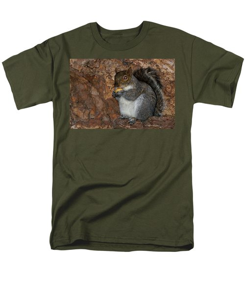 Men's T-Shirt  (Regular Fit) featuring the photograph Squirrell by Pedro Cardona
