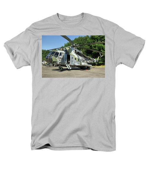 Mil Mi-17 Hip Men's T-Shirt  (Regular Fit) by Tim Beach