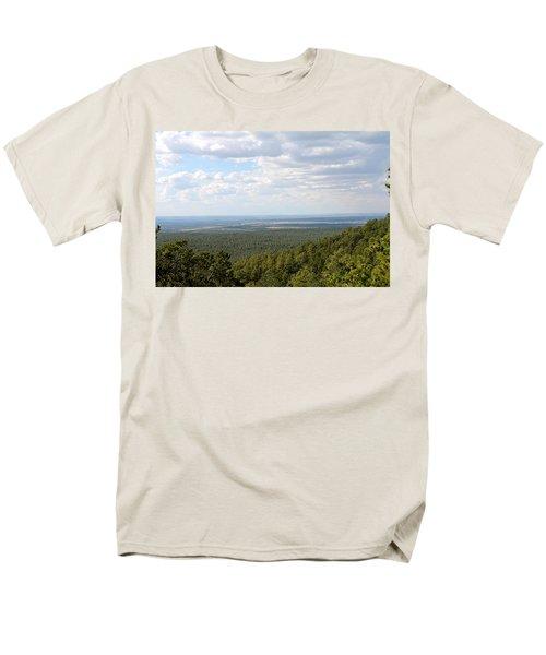 Overlooking Pinetop Men's T-Shirt  (Regular Fit)