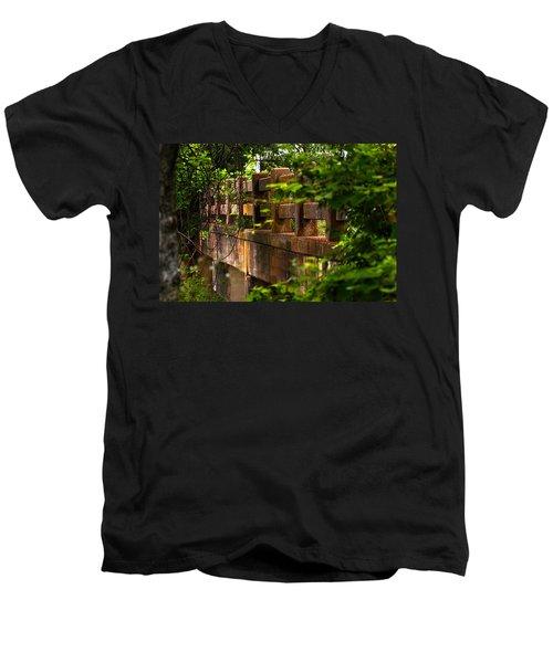 Old Joshua Highway Men's V-Neck T-Shirt