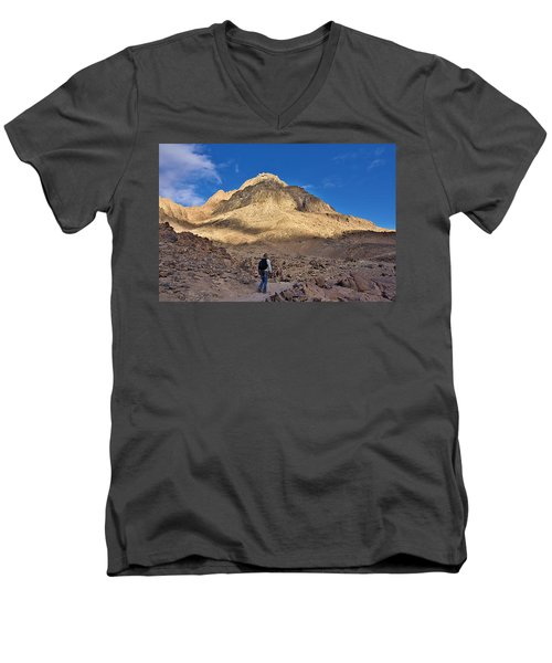 Mount Sinai Men's V-Neck T-Shirt