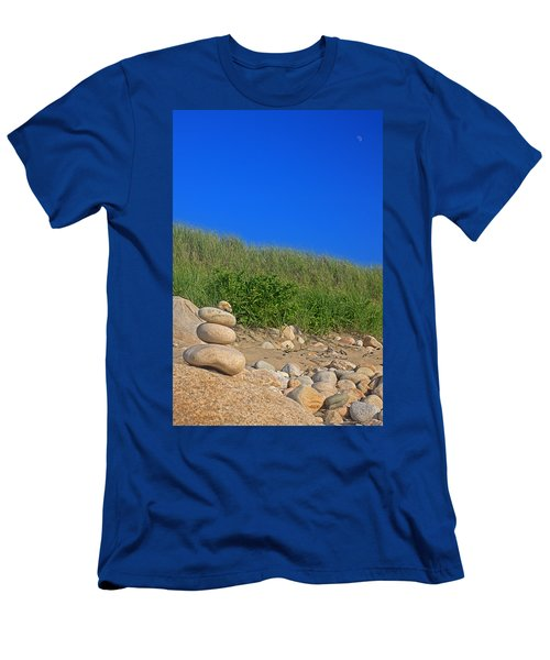 Cairn Dunes And Moon Men's T-Shirt (Athletic Fit)